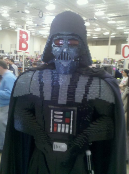 Lego Darth Vader does too!